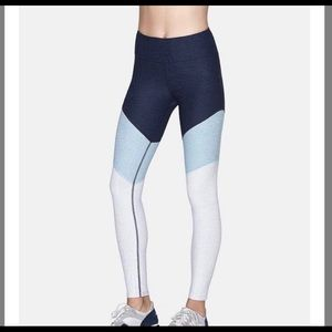 OUTDOOR VOICES 7/8 Springs Leggings in Blue Large